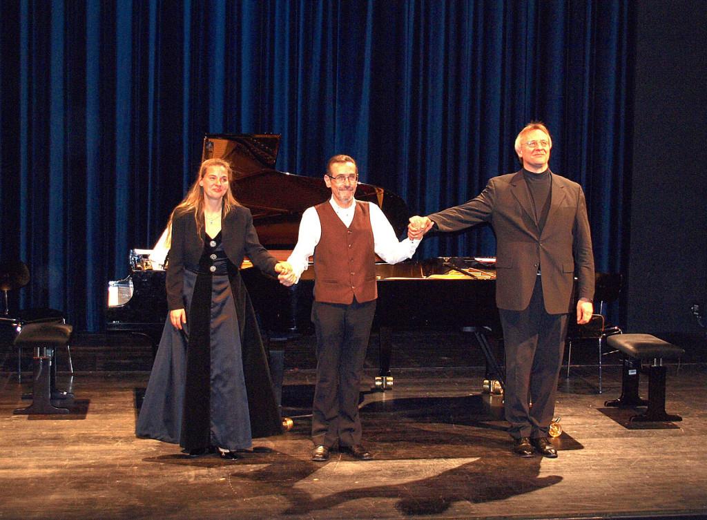 v.l.n.r.: Michaela Schlotter, Gernot Tschirwitz, Rudolf Ramming Foto: Anita Tschirwitz (2.2.2011 im Bibratheater der HfM Würzburg)
